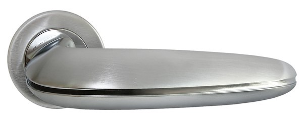 Латунная дверная ручка на современной, плоской розетке SUNRISE Luxury Morelli