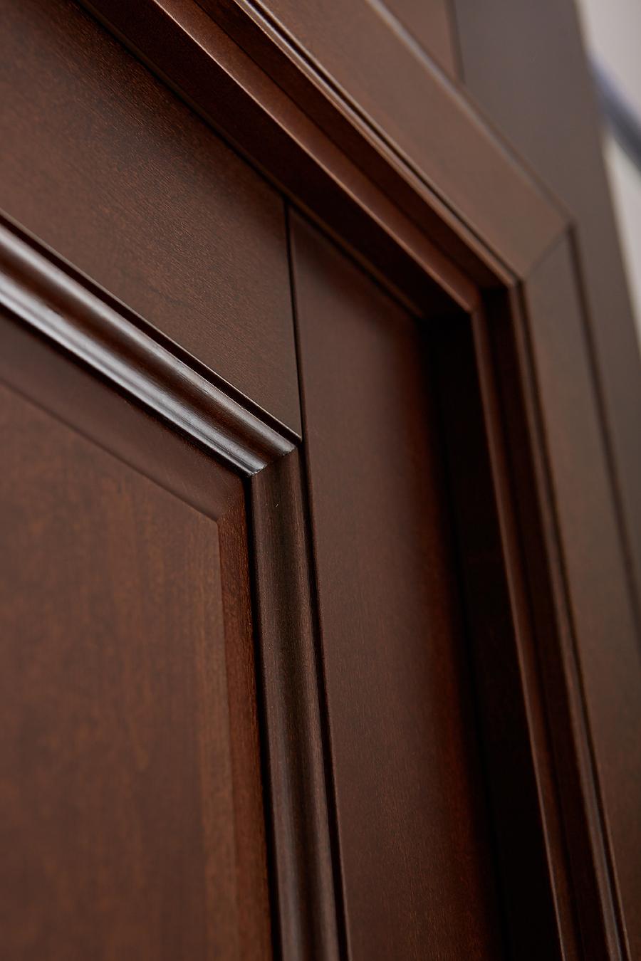 Детальной фото межкомнатной двери из массива