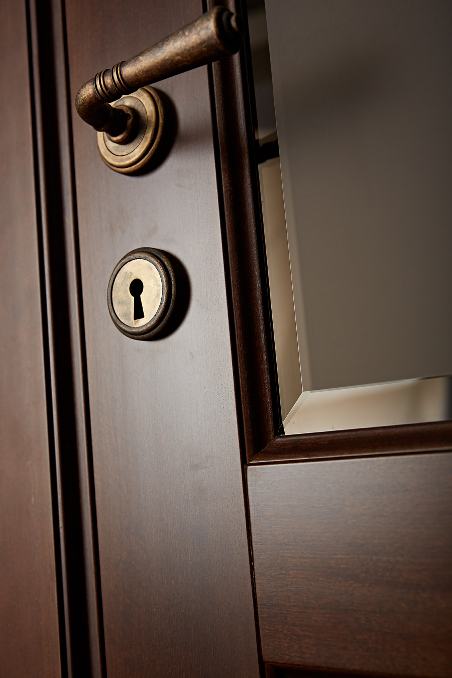 Камея - ольховая дверь межкомнатная детальное фото