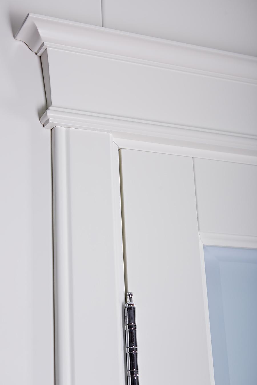 Кантри белая дверь массив - детальное фото