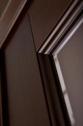 Детальное фото дверей из массива ольхи