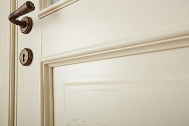 Леон дверь из массива в деталях